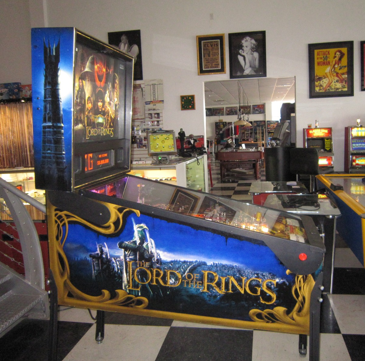 Lord of the Rings Pinball Machine | Fun!