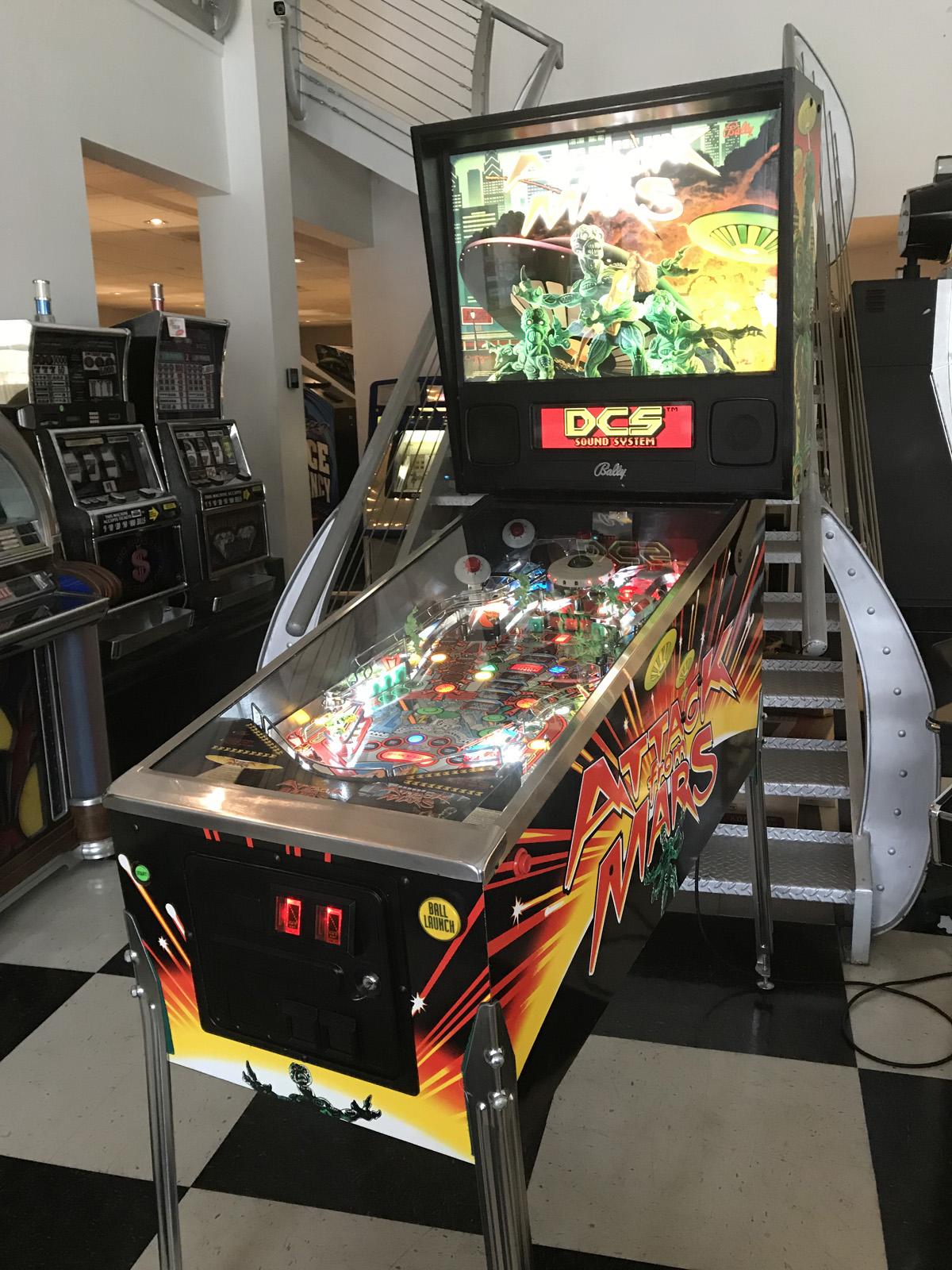 Attack from Mars Pinball Machine   Fun!