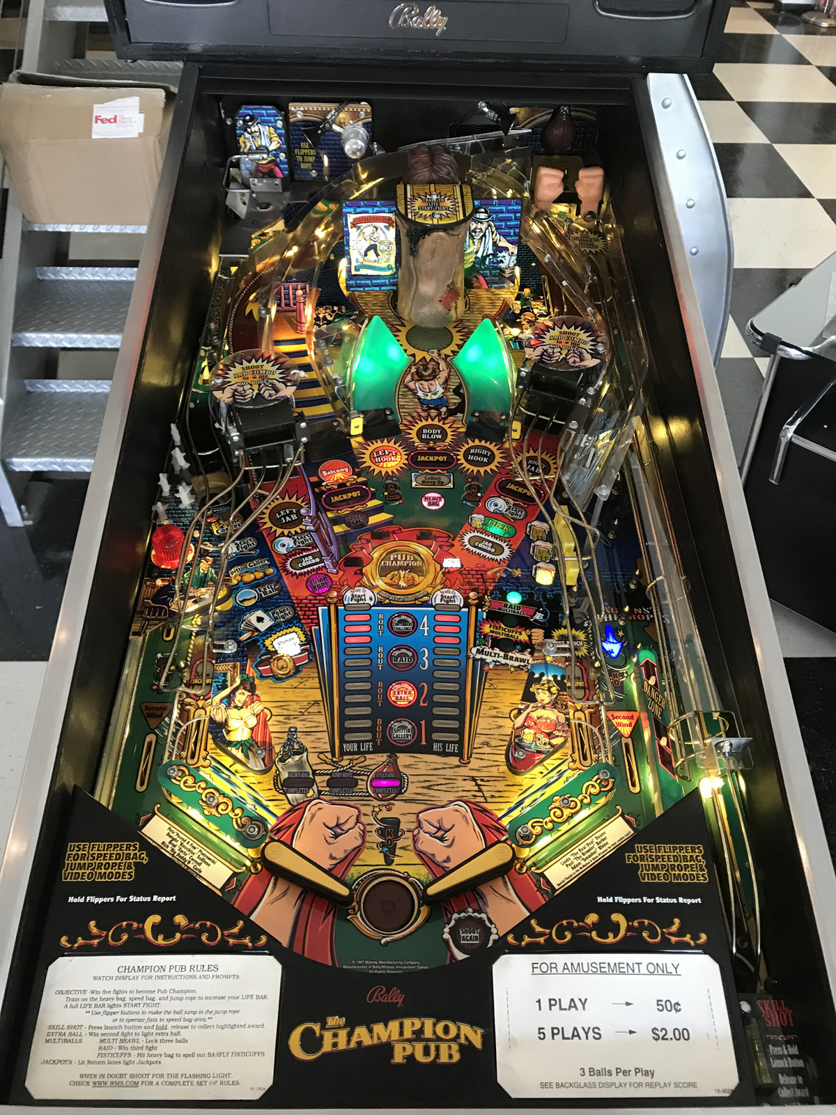 Champion Pub Pinball Machine * | Fun!
