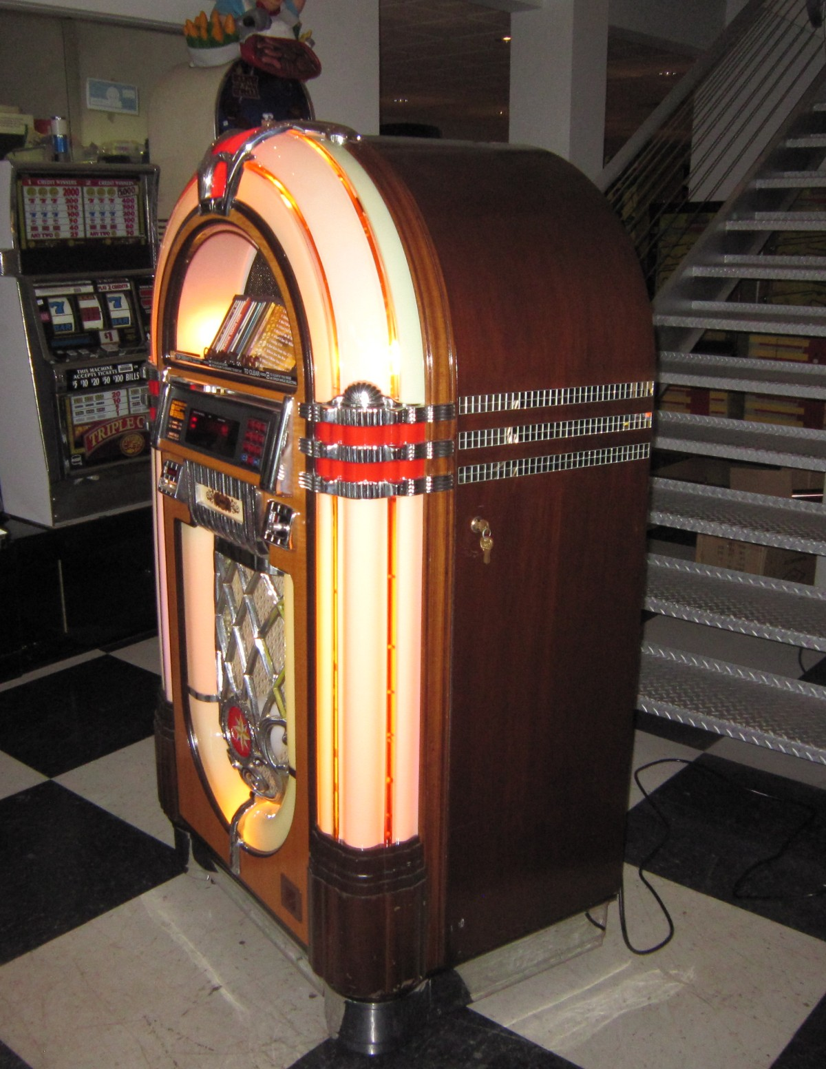 NSM CD Bubbler Jukebox | Fun!