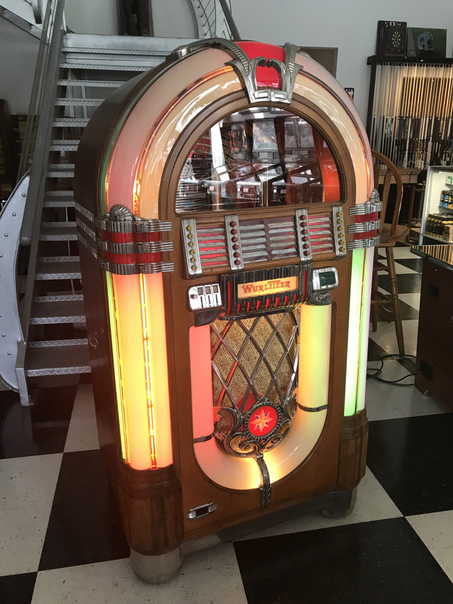 wurlitzer 1015 jukebox fun. Black Bedroom Furniture Sets. Home Design Ideas