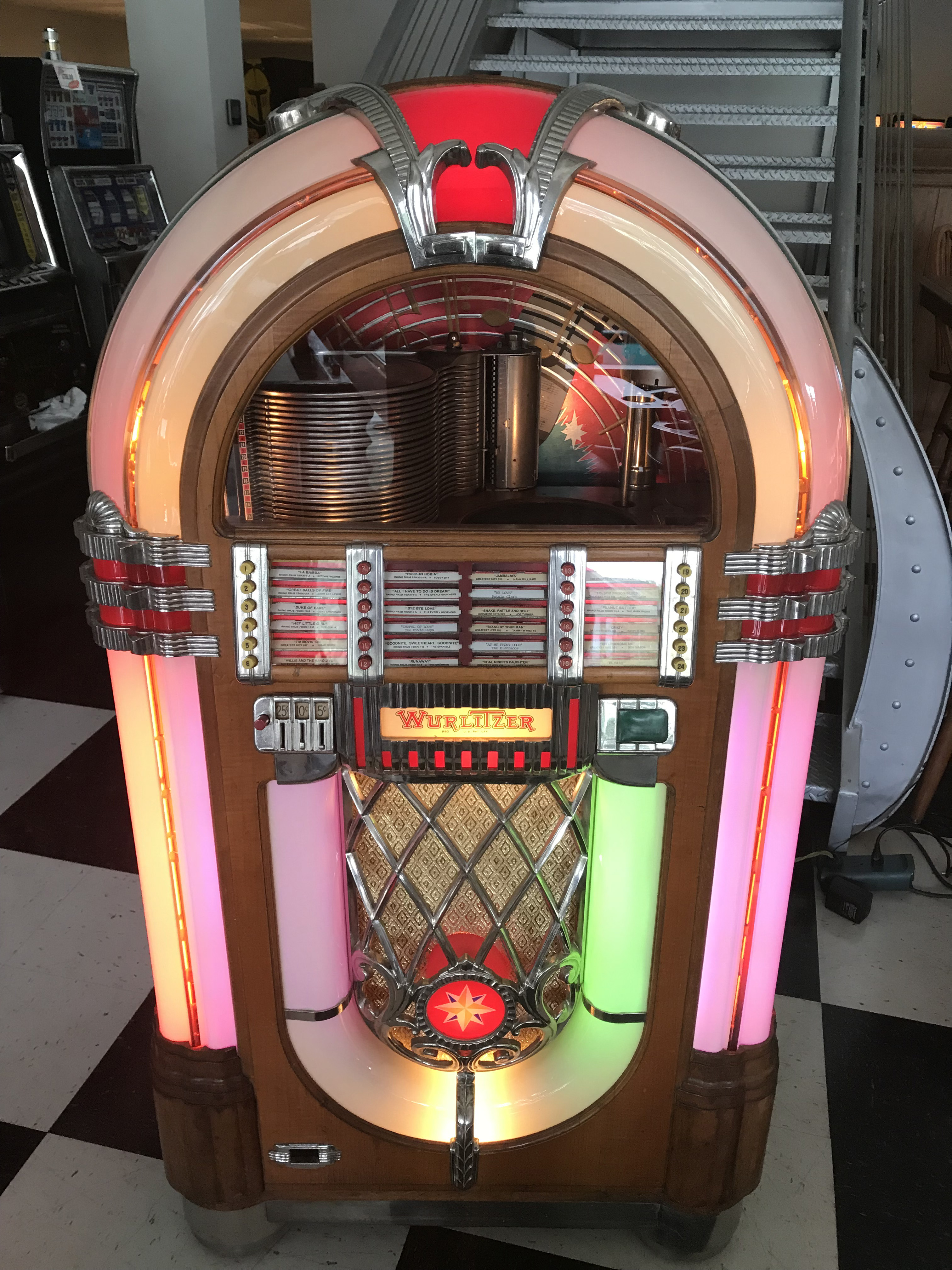 Wurlitzer 1015 Jukebox *